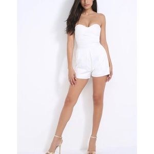 5/$30 🆕 sexy white classic shorts playsuit
